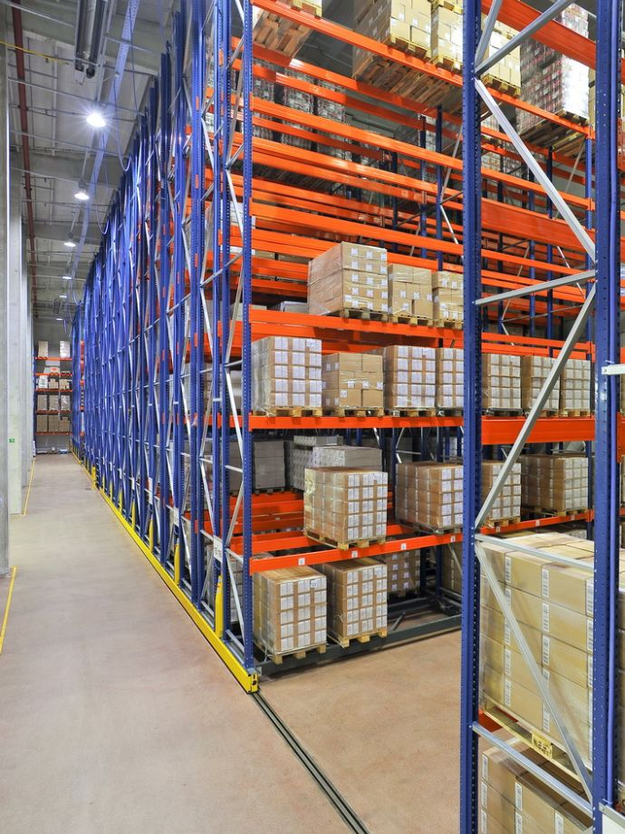 Central warehouse and refrigerated storage of raw materials